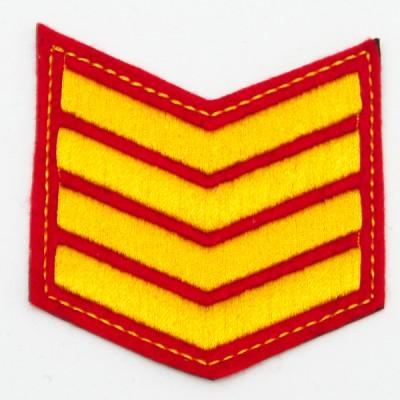 Шеврон (курсовка) 4 курс, вышивка, красный (7-3-022)